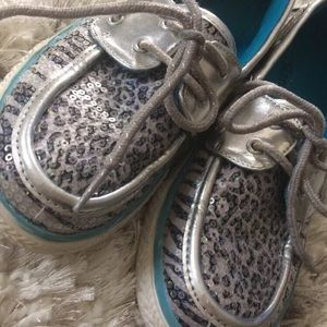 Justice Shoes size 6 snow tiger girls kids